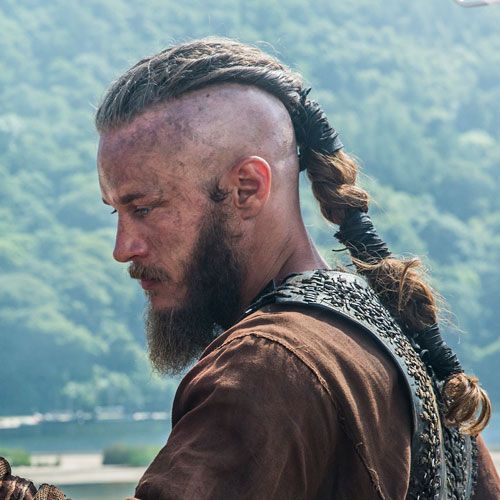 The Best Ragnar Lothbrok Hairstyles Haircuts 2020 Guide In 2020 Viking Hair Viking Beard Ragnar Lothbrok Hair