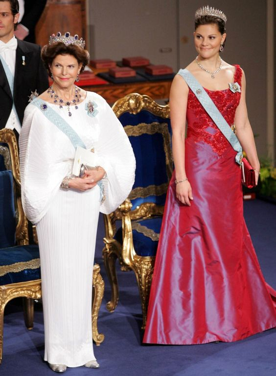 Queen Silvia and Crown princess Victoria at the Nobel prize ceremony in 2006