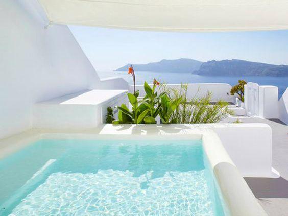 Un baño con vistas al mar
