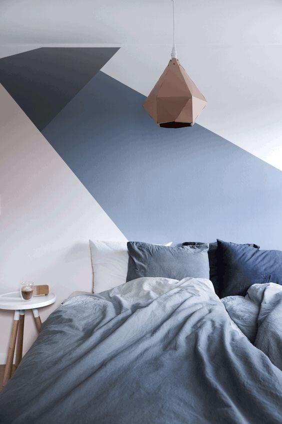 Geometrische Formen an der Schlafzimmerwand. #KOLORAT #Wandgestaltung #Wandfarbe #Skandinavien #Skandinvian #Interior #Wohnideen