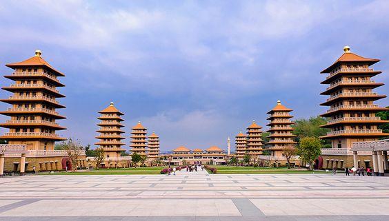 Kiến trúc đồ sộ của Phật Quang Sơn