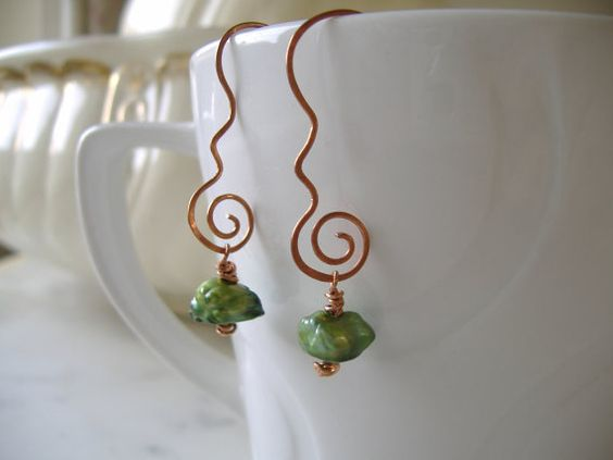 Pure raw Copper hand forged earrings with unusual apple green freshwater cultured keshi pearls by CalicoRoseStudio on Etsy.   £12.95