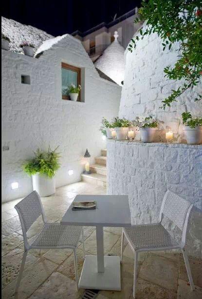 patio + blanco iluminado