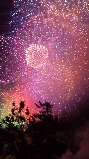 宇宙のような長岡の花火