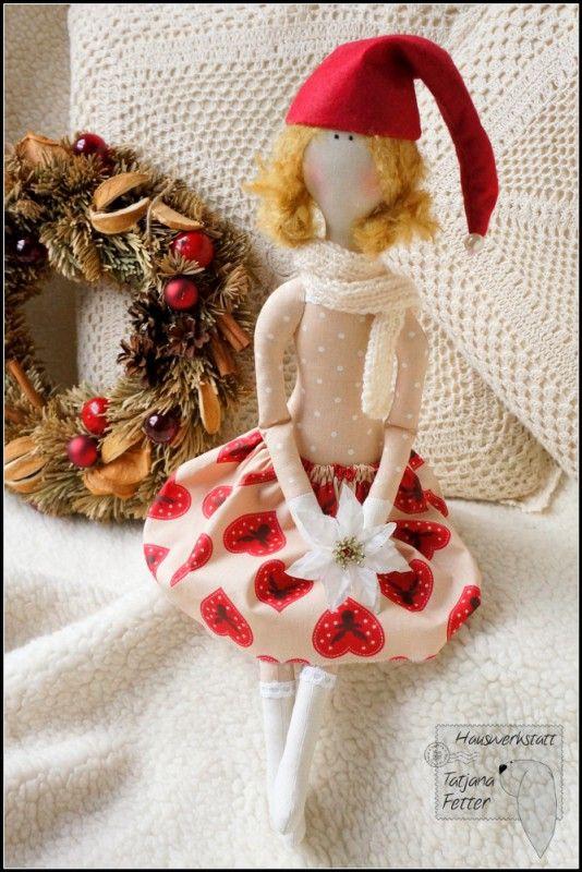 ''Christmas Girl''. (By Tatjana Fetter).