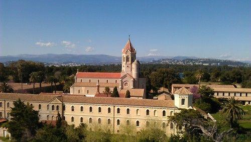 Abbaye de Lerins vue du monastère fortifié de l'île Saint Honorat