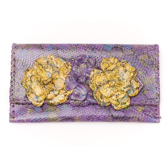 PAOLA PERES COMPLEMENTOS camelia clutch in snake lilac/yellow ($207) ❤ liked on Polyvore