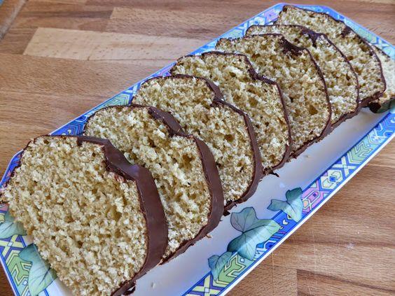 Ein fettarmer aber trotzdem saftiger Kuchen mit Kokosmilch zubereitet. Er ist schnell gemacht, weil die Zubereitung nur aus zwei Arb...