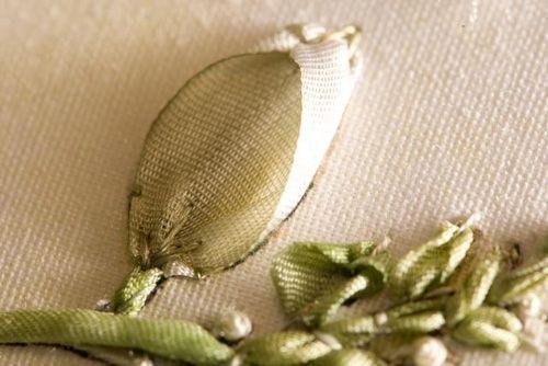 shaping ribbon stitches