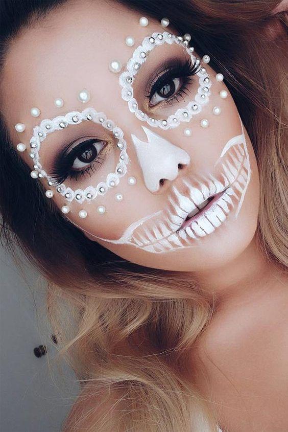 18 Pretty Halloween Makeup Ideas You'll Love: