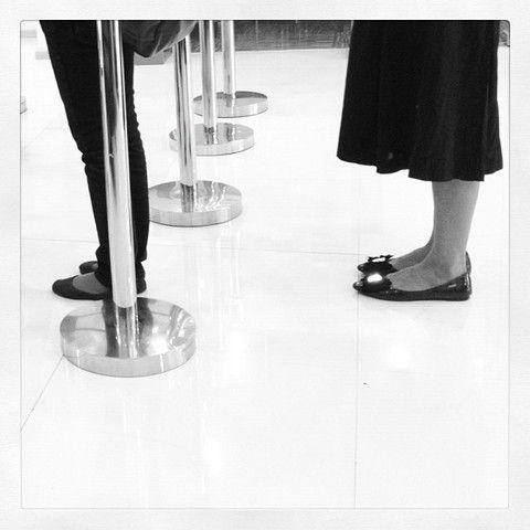 The shoes sisters. Karya Muhammad Zamroni.