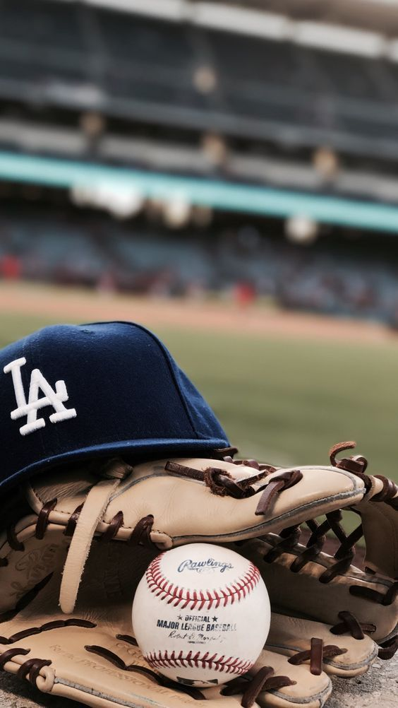 Get Your Los Angeles Dodgers Tickets With Nofees No Buyer Fees More In Your Pocket Mlb Dodgers Losangeles Cali Dodgers Baseball Guantes De Beisbol Y Fondos De Pantalla Deportes