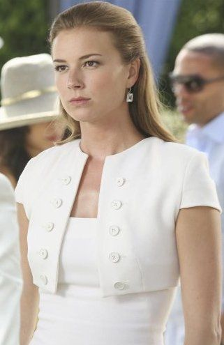 Pin for Later: 75 Stylish Reasons We'll Miss Revenge Season 3 Emily got the ladies-who-lunch uniform down with this sleek ensemble.
