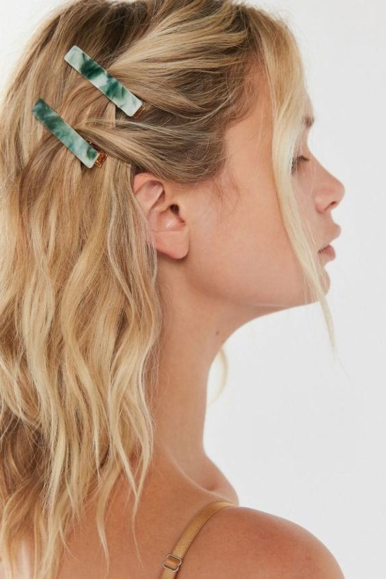 The Hottest Hair Clip Trends Of 2020 Clip Hairstyles Hair Styles Long Hair Styles