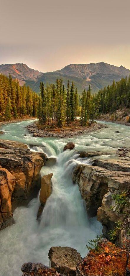 Sunwapta Falls, Jasper National Park, Canada: