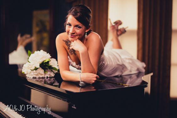 Preston Woodall House l Benson, NC l Bridal Portrait l Raleigh Wedding Photographer l AO&JO Photography  http://www.AOJOPhotography.com