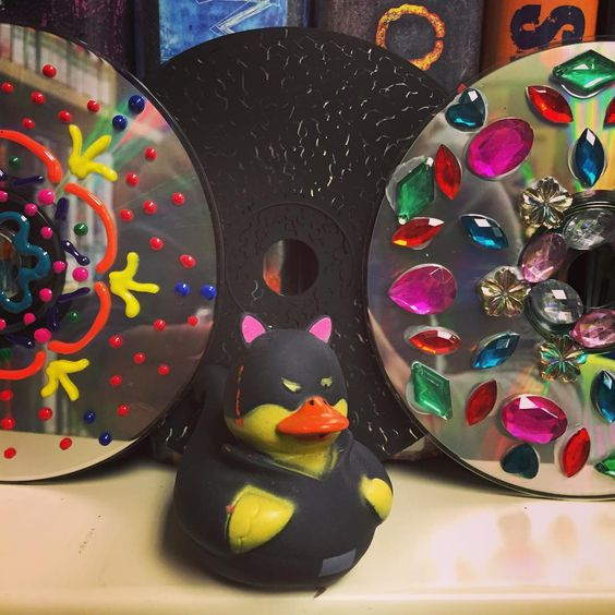We made some beautiful CD art at our #CapeMay branch today! We're having a second program at Lower Cape Library this Thursday at 10AM #DailyDuck #SummerReading #CMCLHeroes