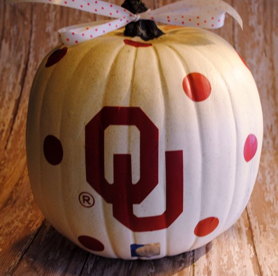 Would be great in a FL Gator decal:) OU+Oklahoma+Sooners+Pumpkin+DECAL+by+GracefulOfferings+on+Etsy