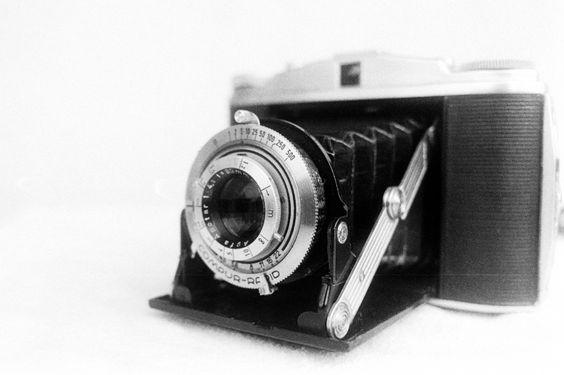 Eine schöne Art des Fotografierens    http://juergenadler.jimdo.com/2013/04/16/50f-fotografie-oder-warum-denn-eigentlich-alt-und-analog-fotografieren/