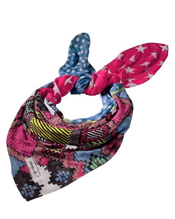Tuch    Großzügig dimensioniertes und farbenfrohes Tuch mit verschiedenen Mustern.    Materialzusammensetzung:  Oberstoff: 100% Viskose...