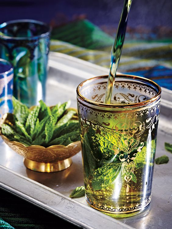 Fresh Mint Tea #Mint #Tea http://teaslovers.com/healthiest-teas-to-drink/best-tea-for-a-cold-and-sore-throat/