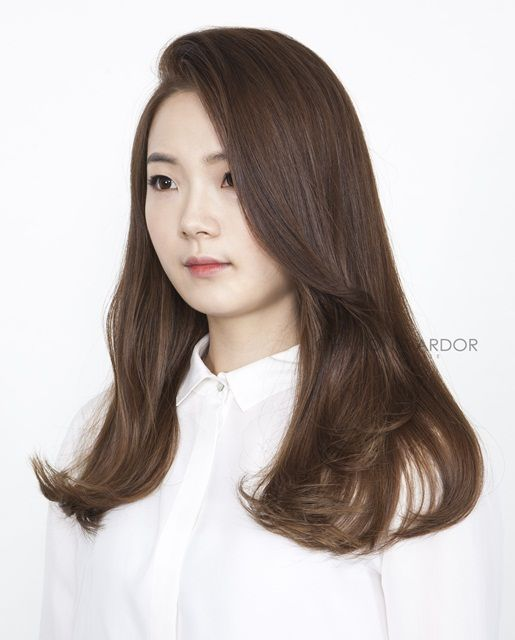 Top 10 Korean Wavy Hairstyles That Can Never Go Wrong Long Med Long The Beige Thread In 2020 Long Hair Perm Medium Length Hair Styles Korean Wavy Hair