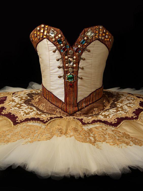 Tutu · Ballet · Raymonda · Raymond · Costume Designer · Diseño de Vestuario: Ana Carolina Figueroa