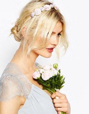 ASOS WEDDING - Ghirlanda per capelli con garofani € 14,49