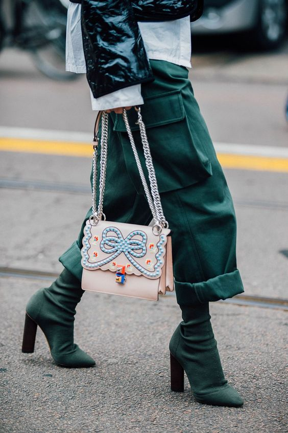 Street Style | outfit inspiration | street style | green | Milan Fashion Week | fancy bag | @monstylepin