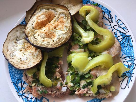 Филе тунца, запеченного под овощами. Фото: Evgenia Shveda