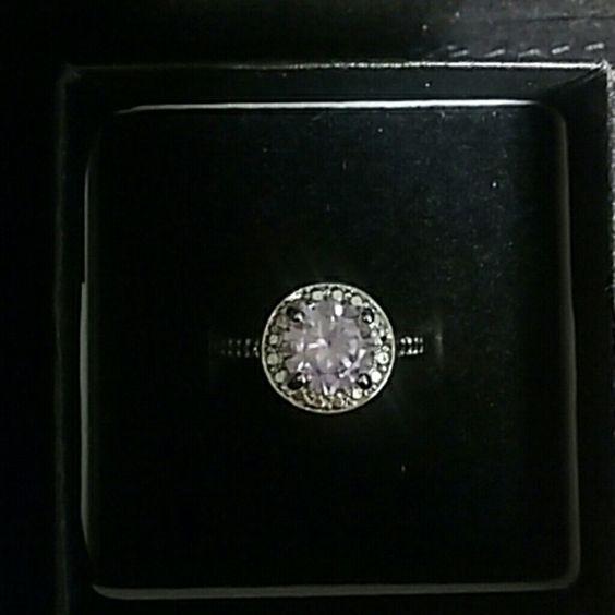 Cocktail ring Beautiful Light purple stone. Jewelry Rings