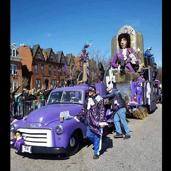 Mardi Gras 2017 tribute to Prince. Shared by @marisalynnette_: