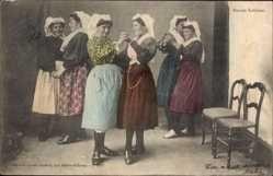 Postcard Danses Sablaises, Französische Trachten, Frauen tanzen