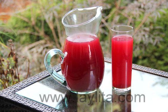 La horchata équatorienne est une infusion préparée à partir de diverses herbes et plantes.