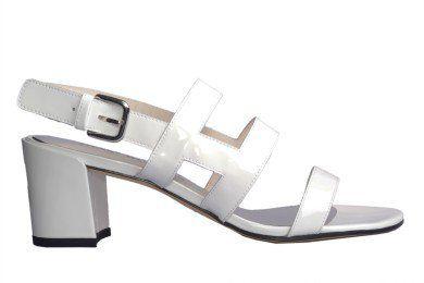 STUART WEITZMAN Stuart Weitzman Srgo Fresh White Sandal. #stuartweitzman #shoes #sandals