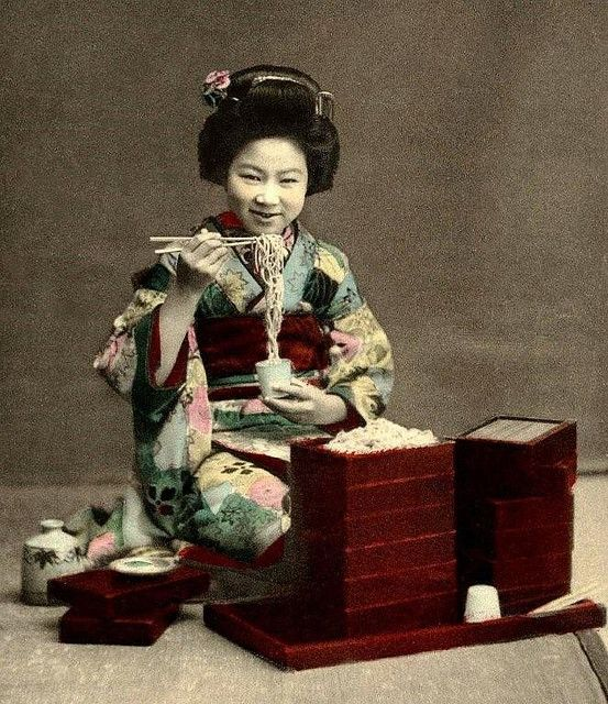 LITTLE MISS SOBA NOODLE --[Hand-colored ca.1905 collotype image]