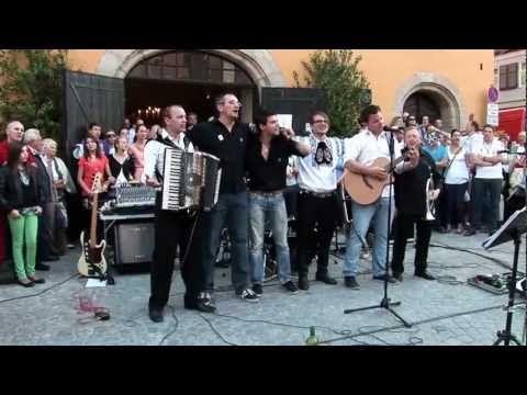 Wahre Freundschaft Jurgen Aus Siebenburgen Dinkelsbuhl 2012 Sachsesch Owend Youtube Wahre Freundschaft Freundschaft Lieder