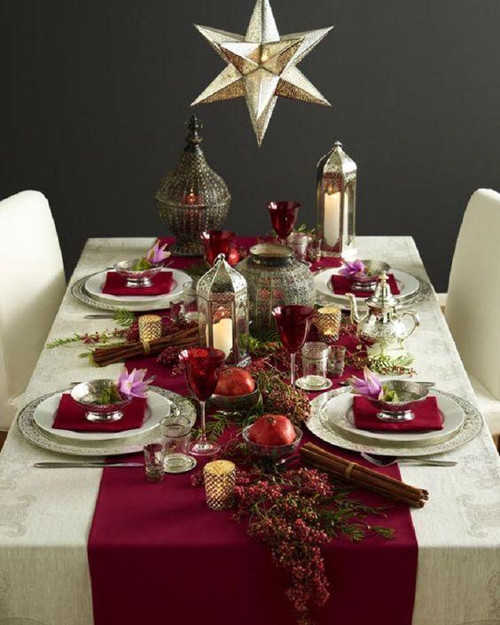 Decoración de mesa con estrellas y manzanas
