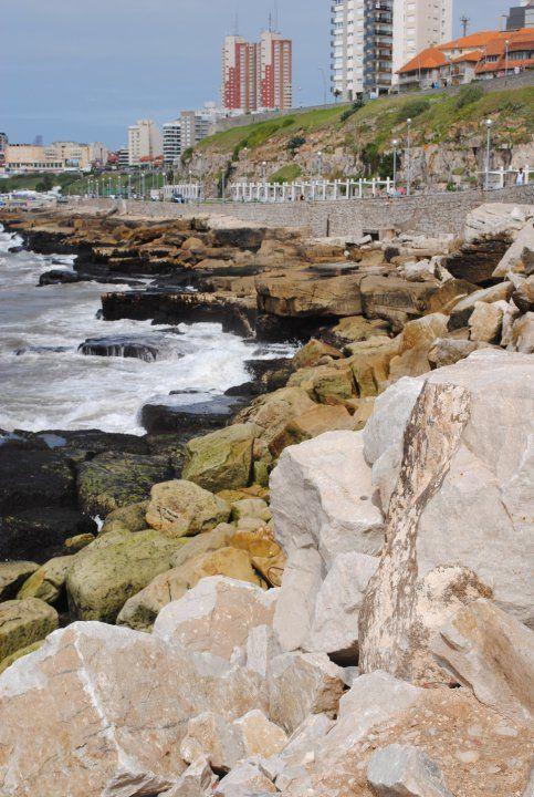Mar Del Plata y sus rocallas, Costa Atlantica, Argentina.