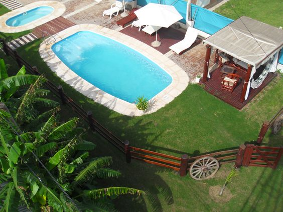 Más FOTOS, MAPA y CONSULTAS acá: http://www.voyacordoba.com/alojamientos/mar-chiquita_15/miramar_27/alas-del-sol_159.html  Te ofrece Alojamiento en hermosas cabañas equipadas para que disfrutes de una estadía inolvidable, descubrilas!