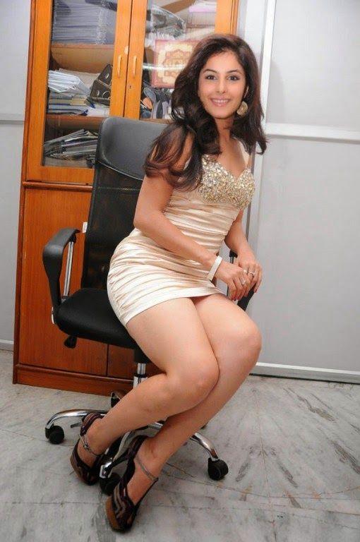 Kajol Sexy Booty 106