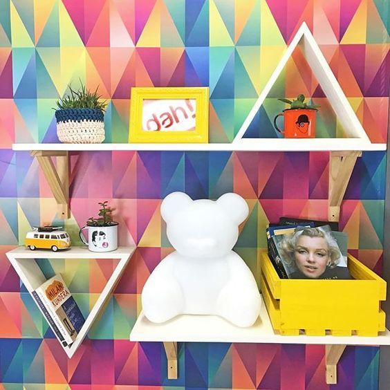 Nicho Triângulo Provençal está R$39,90 cada na semaninha cool Black Tadah! ;) Bora lá! www.tadah.com.br #tadahdesign #madeiramaciça #decoracao #decor