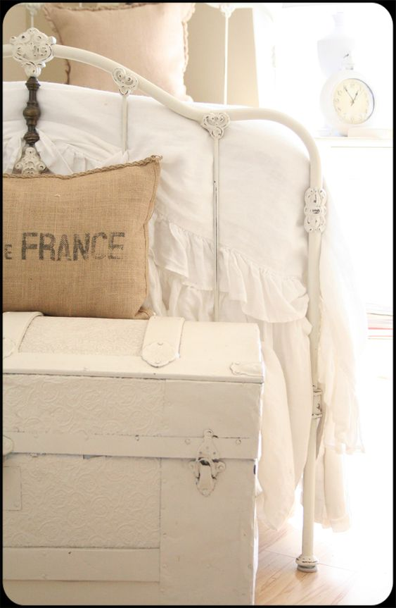 Love this for Mary's bed, now find time to look for it at Bygones!