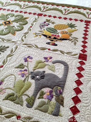 Heartland quilt, pattern by P3designs the quilting is astonishing! Click through for more pictures. You will be amazed!