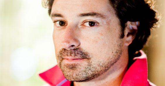 MURILO (Emilio Orciollo Netto): acomodado, não trabalha e ainda depende dos pais. É um tipo mulherengo. É pai de Sandra Divulgação/TV Globo