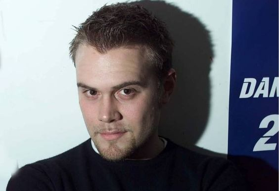 Remember Daniel Bedingfield? He looks very different nowadays
