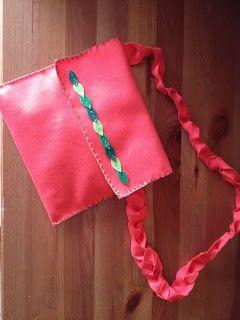 Mi palacio de cartón: Carteras y bolso de fieltro     Podéis encontrarno...