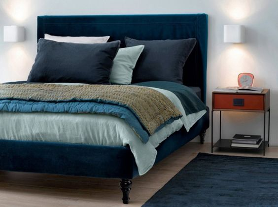 Blue bed linen, Blue bed and Home deco on Pinterest