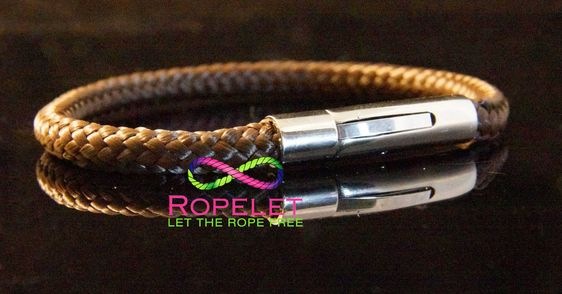 Amazing brown Ropelet one of the fashionable handmade rope bracelets by www.ropelet.co.uk. Bug choice its hard to know which one to put on your wrist! #ropelet #mensfashion #mensbracelet #ropebracelet
