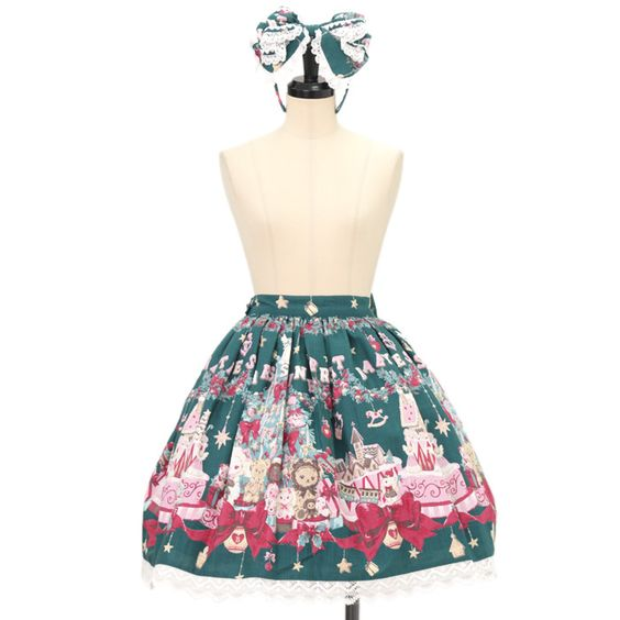 ♡ BABY THE STARS SHINE BRIGHT ♡ Kumya-chan our Christmas Holly Night pattern skirt + ribbon Katyusha + Valletta http://www.wunderwelt.jp/products/detail9269.html #sweetlolita